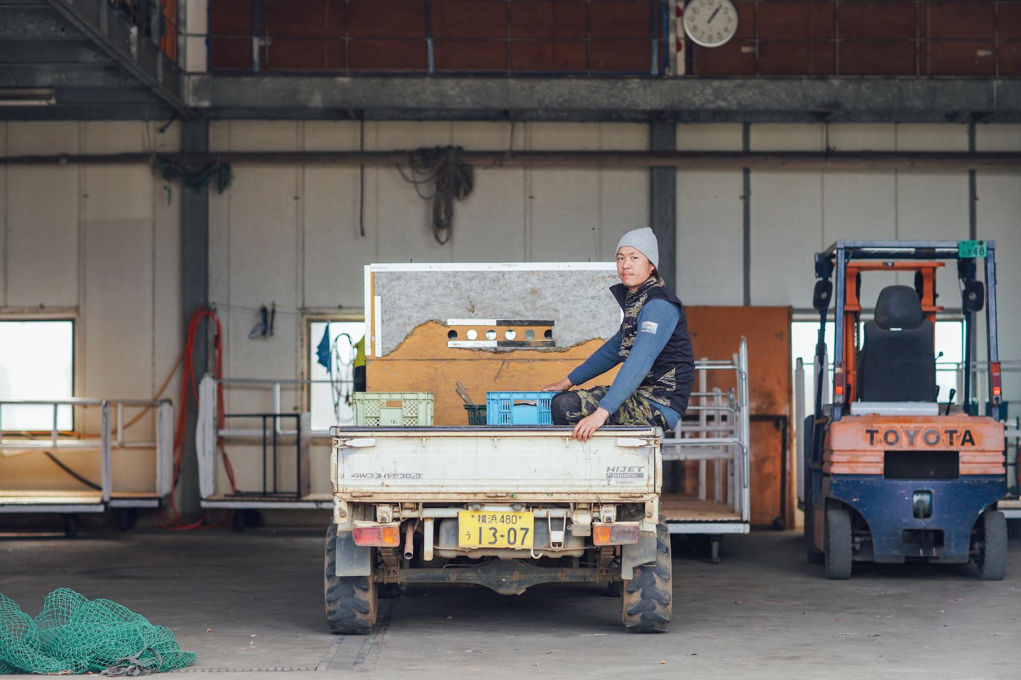 三浦の農家さん直伝!三浦野菜の旬とおいしい見分け方|どっひゃ〜と大きな三浦大根 編